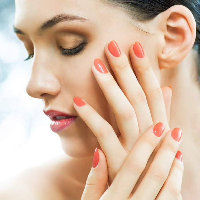 mooie rode nagels